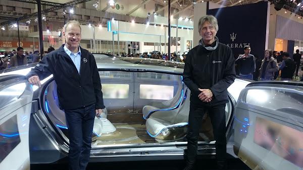 賓士汽車內裝設計研究主管Thomas Jaeger(右)、賓士概念車主管Ralf Krause(左)