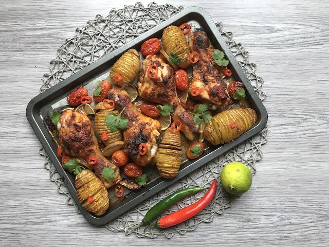 pollo asado con tikka masala y patatitas hasselback receta