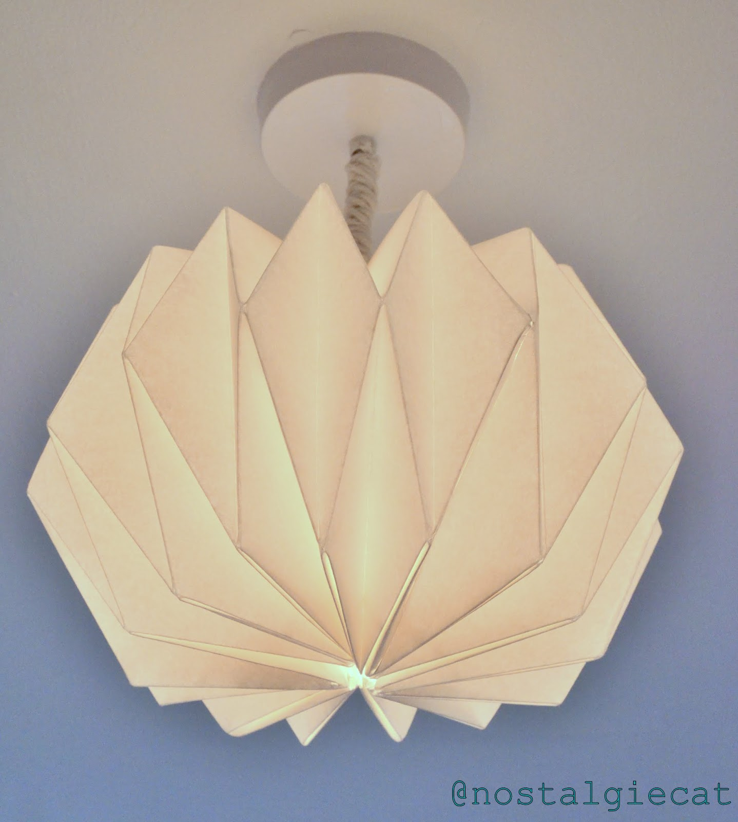 nostalgiecat: DIY Origami paper lampshade...
