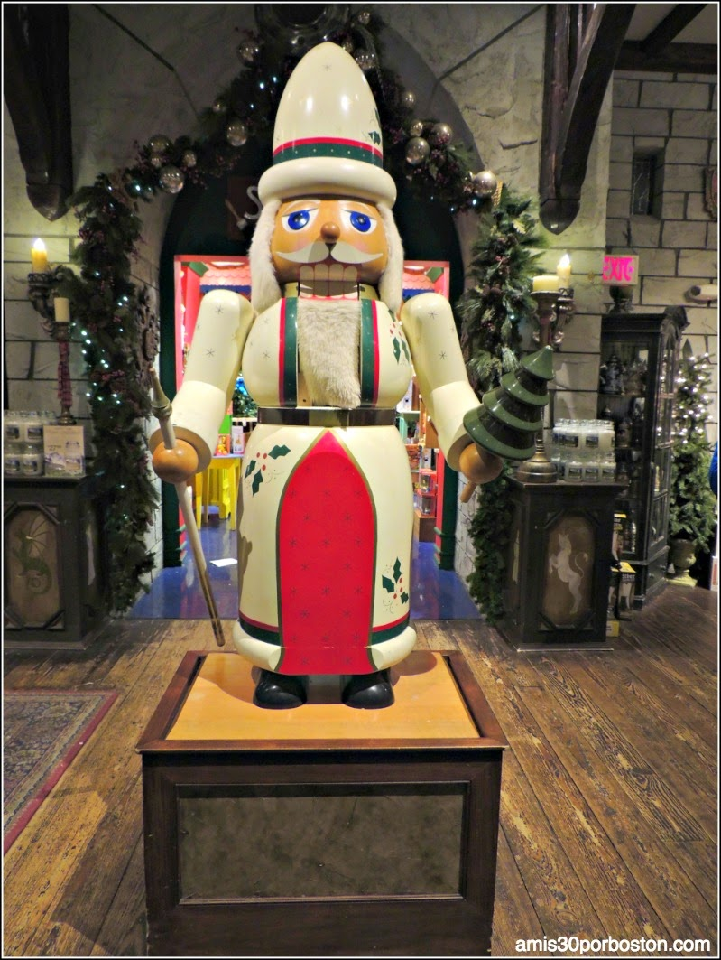 Yankee Candle Village: Nutcracker Castle