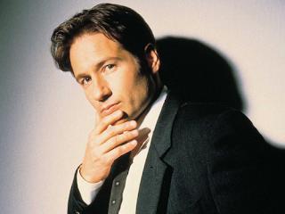 Agente Fox Mulder (David Duchovny)