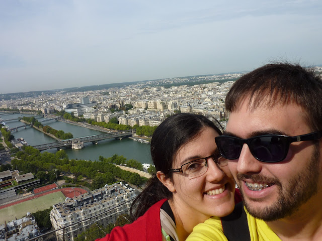 Javier e Inés con Budapest al fondo
