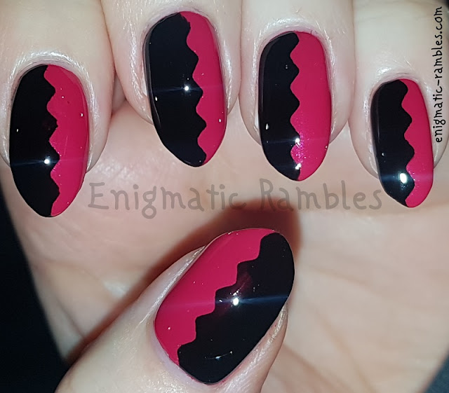 Black-and-Red-Chevron-Tape-Nails