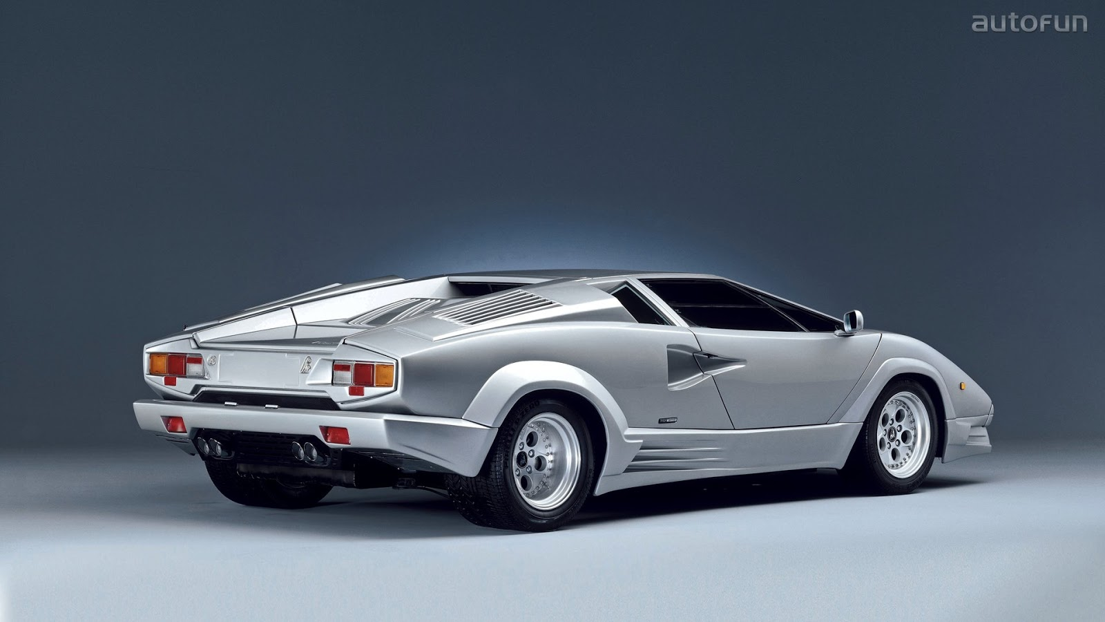 Luxury Lamborghini Cars: Lamborghini Countach Wallpaper