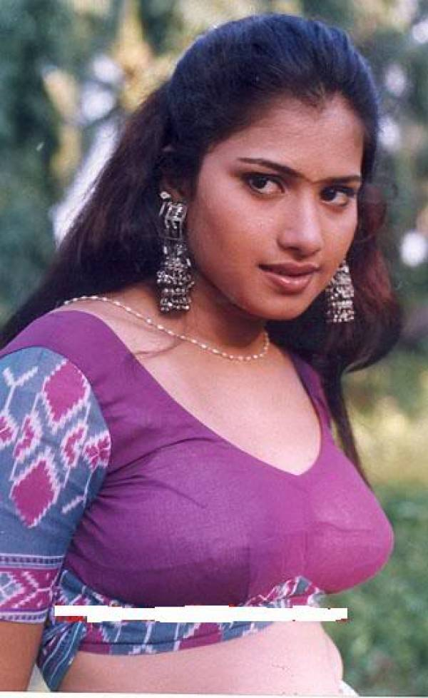 Actress Celebrities Photos Tamil Desi Mallu Aunty Blouse Show Photos -2970