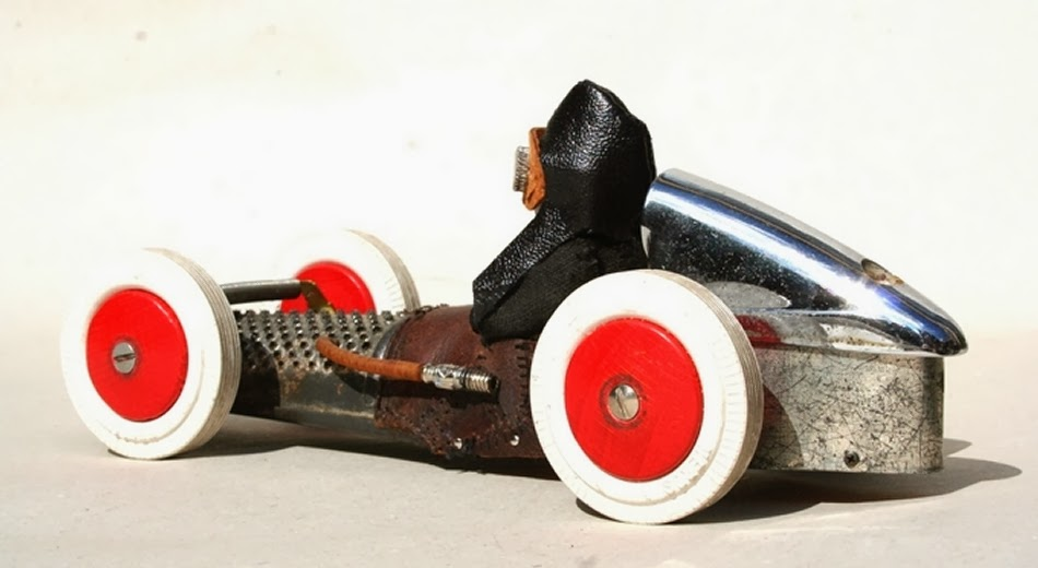 15-Vincents-Toy-Racer-Derek-Scholte-Recycled-Toy-Sculptures-www-designstack-co