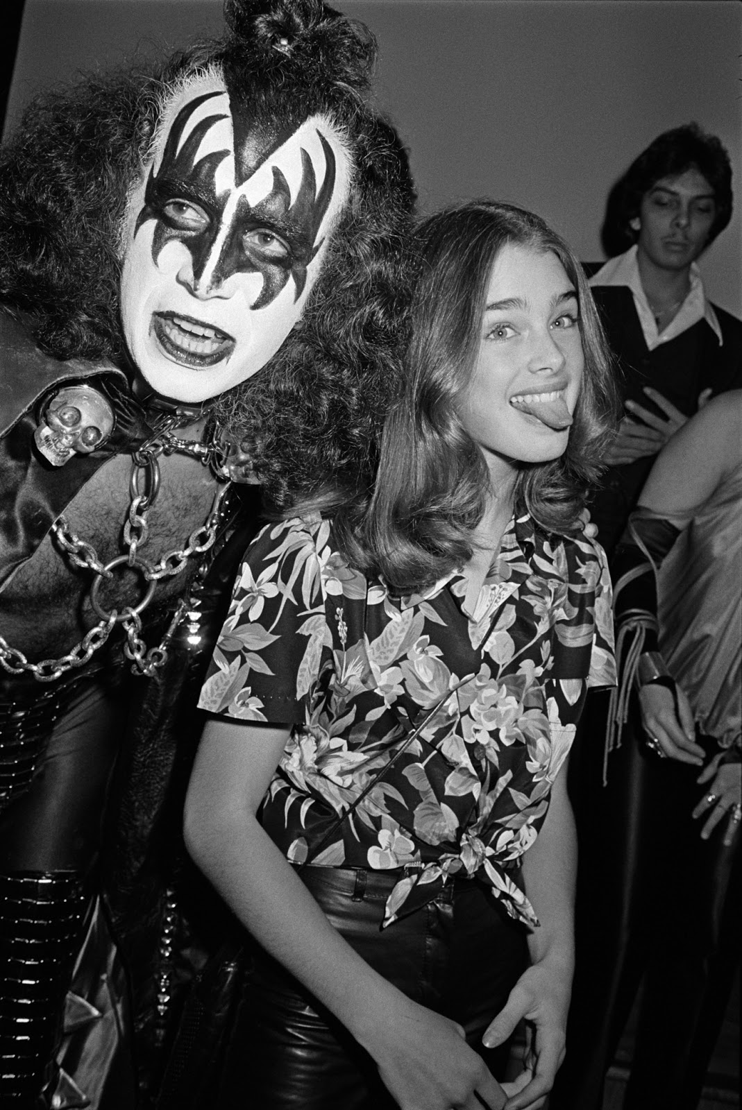gene-simmons-and-brooke-shields-2.jpg