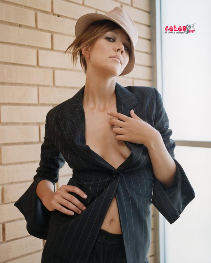 Maggie Gyllenhaal Sexy Pics