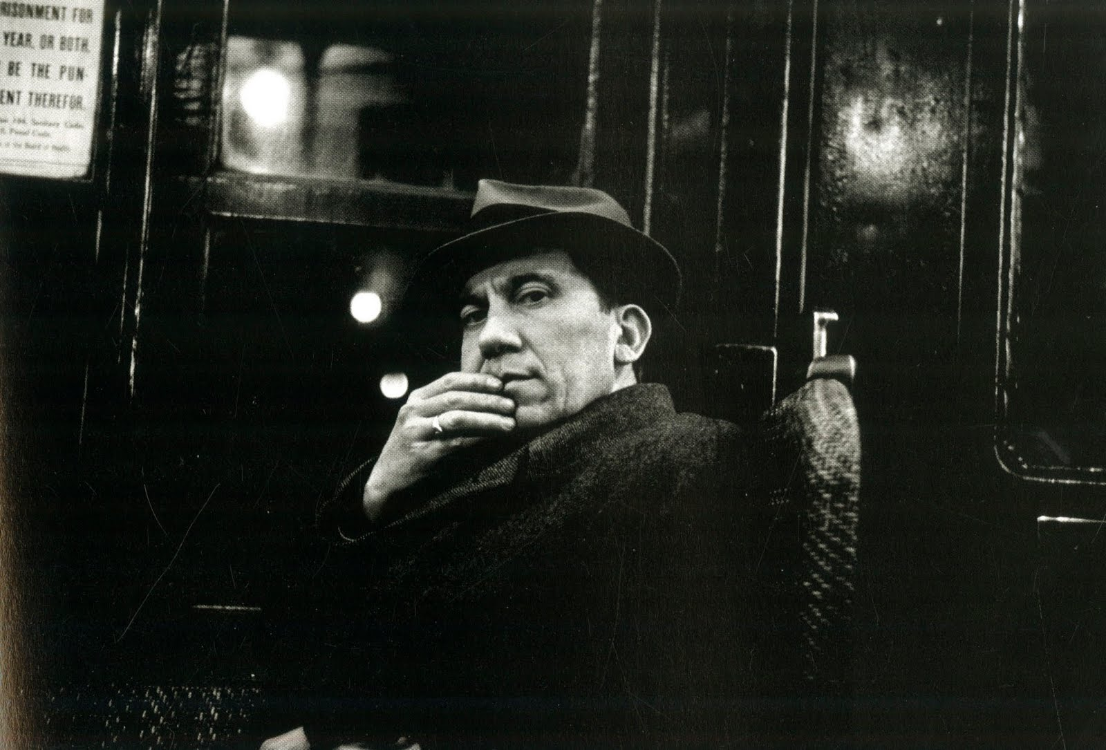 walker evans I want to write about a photographer that most art and photography students know, but not that many street photographers know (or appreciate) online that photographer is walker evans, one of the most pivotal american photographer from the 20th century.