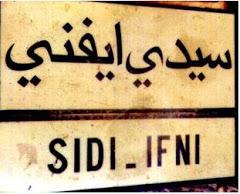 Cartel de carretera en Sidi Ifni
