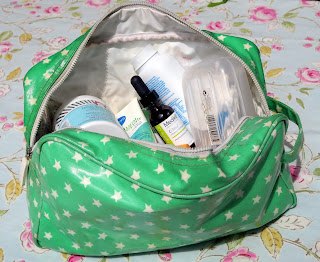How to pack your washbag