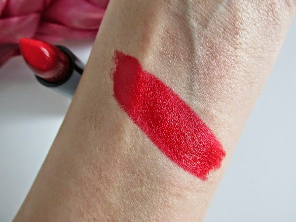 Catrice Ultimate Colour Lip Colour - Red My Lips swatches