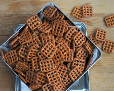 Game-Day Pretzels ~ a great party snack, just pretzels mixed with popcorn oil, Ranch dressing, spices ~ KitchenParade.com
