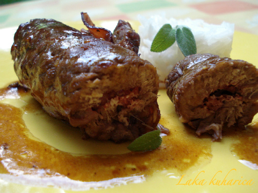 Meat rolls with prosciutto and sage by Laka kuharica: simple, mouthwatering and aromatic beef rolls in wine sauce.