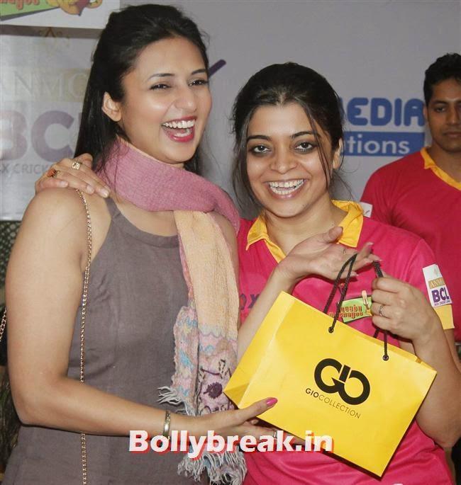 Divyanka Tripathi and Nivedita Basu, Krystle D'Souza, Mandira Bedi at BCL Inaugural Match