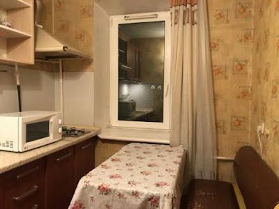 На фотографии изображена аренда гостинки возле Индустриального моста Гетьмана 38 - 10