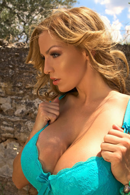 Jordan-Carver-Muro-Photoshoot-Hot-&-Sexy-HD-Image-15