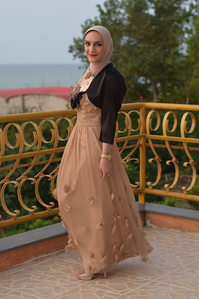 JS Collections Floral Appliqué Chiffon Gown-Evening Look-Hijabi Modest Gown-Summer Style-Veilure Cotoure Scarf-Fashion Blogger-Modest Formal Gown-Muslim Fashion Blogger-Hijabi Blogger