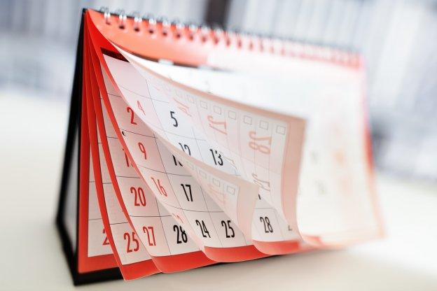 Calendário semanal dos Orixás - Charles Corrêa D' Oxum