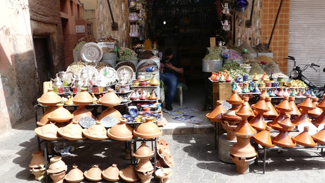 Souk in Marrakesch, Töpferwaren