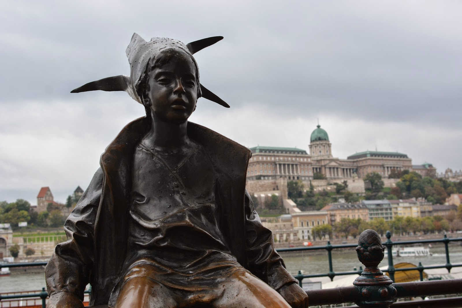 The Hungarian Girl statue Budapest