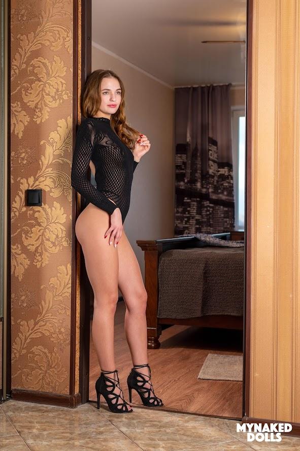 [MyNakedDolls] Undressing Zelta 1582771657_undressing-zelta_cover-h_043823