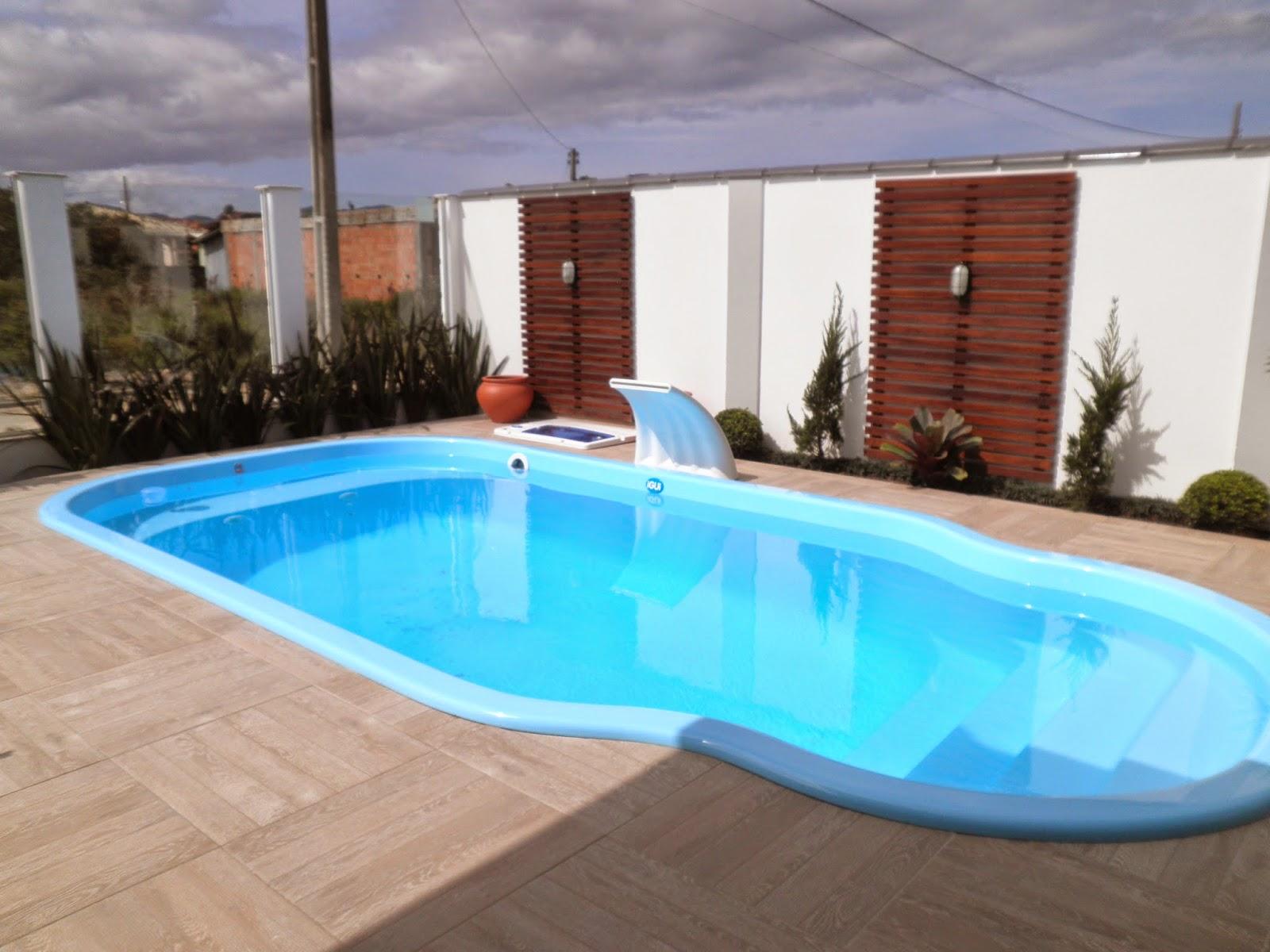 Piscina de piso piso terraza piscina y garaje foto piso for Cubre piscinas bestway