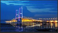Jembatan surabaya suramadu namanya