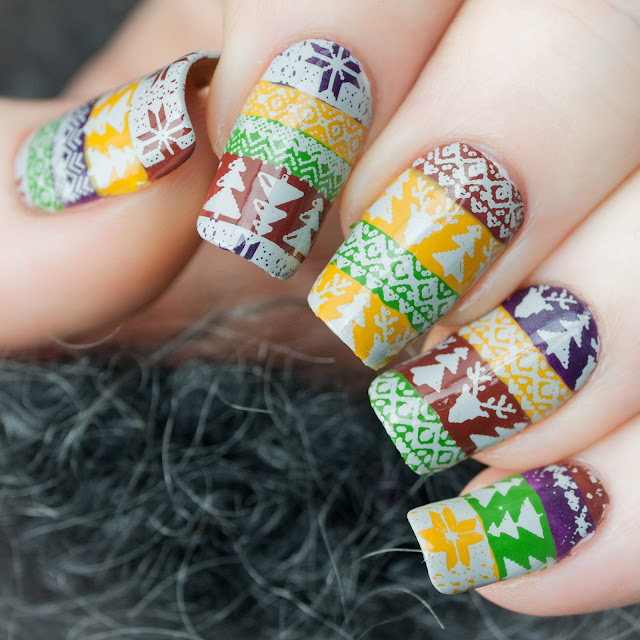 KimettKolor Ugly Christmas Sweater Nails