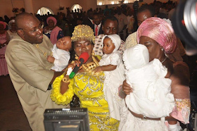 2a - Bayelsa Governor, Seriake Dickson and wife, Rachael dedicate their quadruplets in Church (photos)