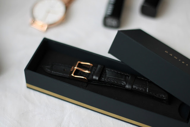 daniel wellington reading strap