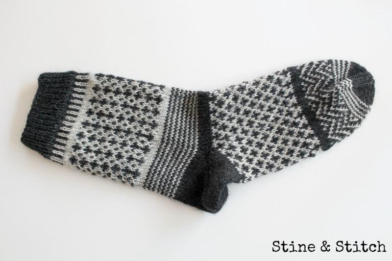 stine stitch neues von socke no 2. Black Bedroom Furniture Sets. Home Design Ideas