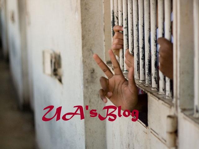 A Peep Inside The Nigerian Prison Cells Where Inmates Live Like Kings, Use Co-Prisoners As Servants