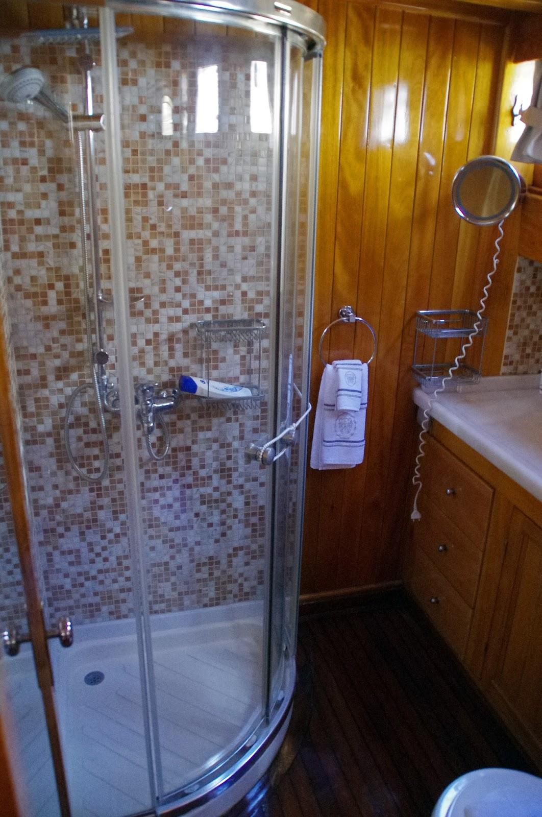 Bathroom Luxury Gulet Neyzen Travel Turkey
