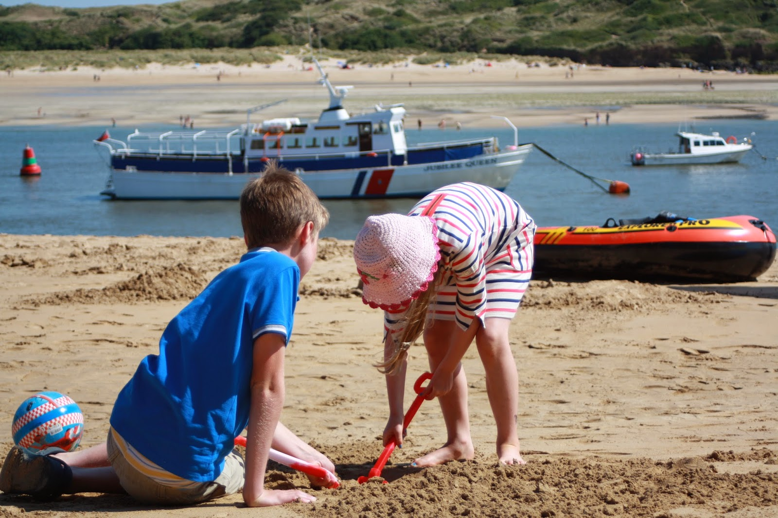 Beach-sand-son-daughter-holiday-Padstow