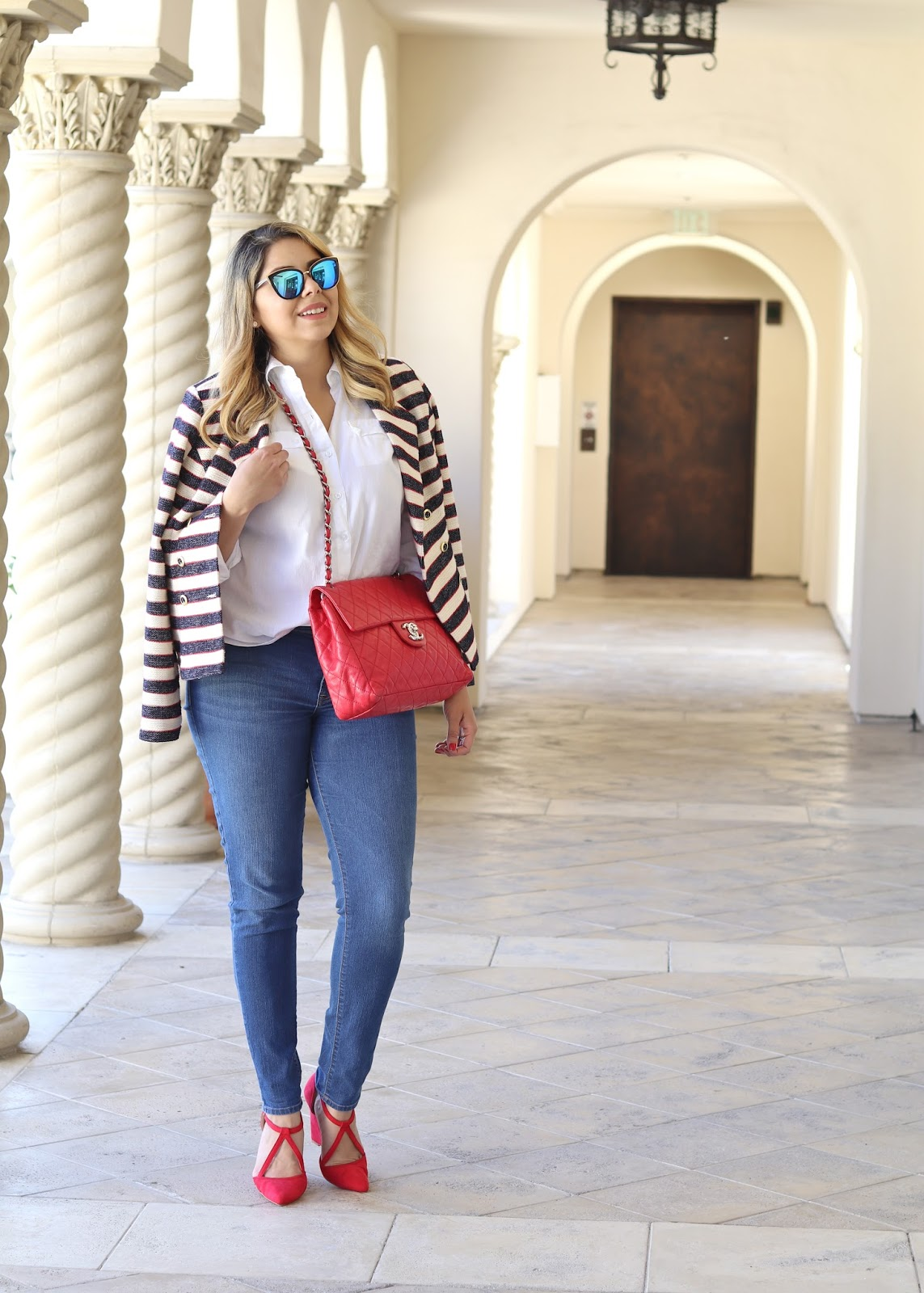 old navy skinny jeans midwash, how to style skinny jeans, tommy hilfiger button up, white button up idea