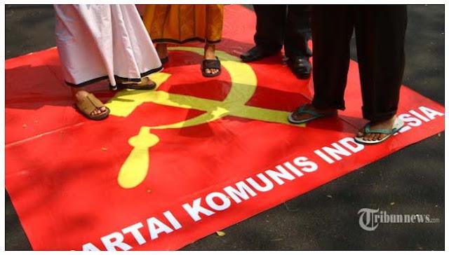 PKI Gerombolan Penipu, Komunis teriak Demokrasi, Itu tipu muslihat untuk rebut kekuasaan
