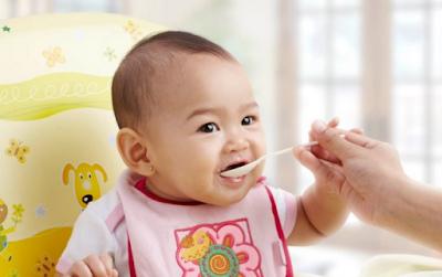 Usia Berapa Bayi Boleh Diberikan Makanan Pendamping ?