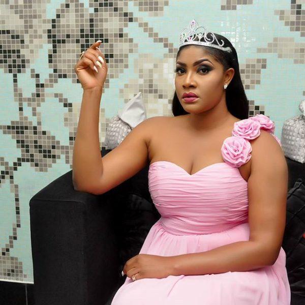 Angela anusurika kuuwawa katika 'birthday' yake