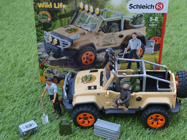 Review | Schleich Wild Life 4x4 Vehicle With Winch