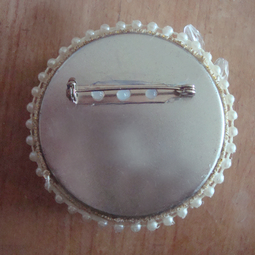 Pixie Hill: Altered Brooches Tutorial