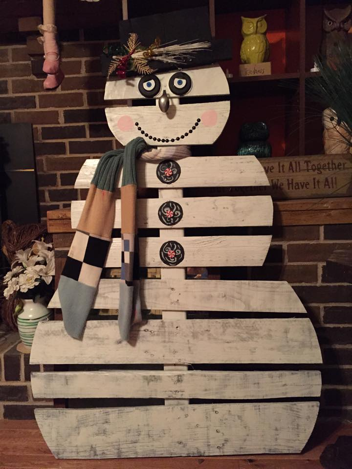 Me And My Crafties My Diy Pallet Snowman
