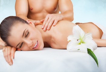 Make Your Spouse Fall In Love With You Again: Sensual Massage Techniques To Give Your Partner A Mind Blowing Experience