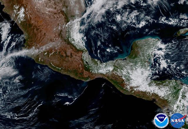 Một cách nhìn thoáng đãng về vùng bán đảo Yucatan và những quốc gia Trung Mỹ. Hình ảnh: NOAA/NASA.