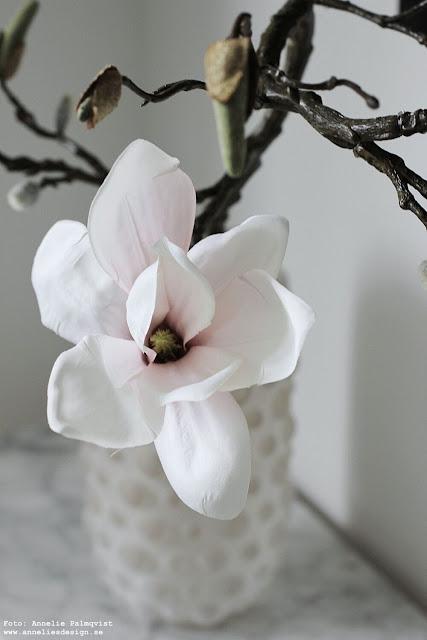 annelies design, webbutik, webbutiker, webshop, nätbutik, inredning, dekoration, inspiration, magnolia, konstgjorda blommor, naturtrogna blommor, blomma, kvist, kvistar, vas, bubbles,