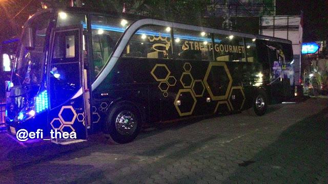 http://www.catatan-efi.com/2015/08/sensasi-dinner-bersama-4g-lte-xl-dan-street-gourmet.html