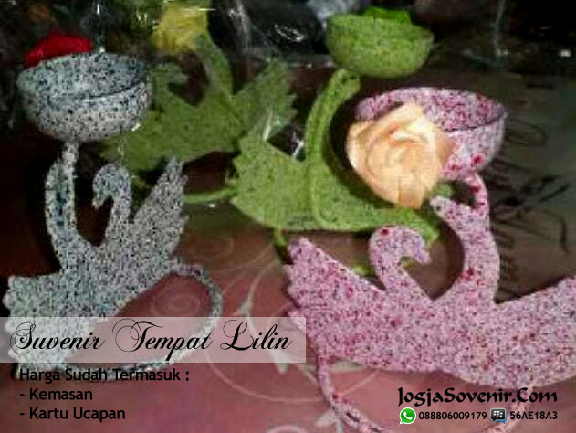 Souvenir Pernikahan Lilin