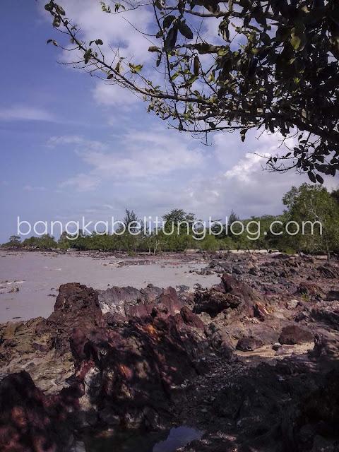 Pantai Tanah Merah Bangka Tengah