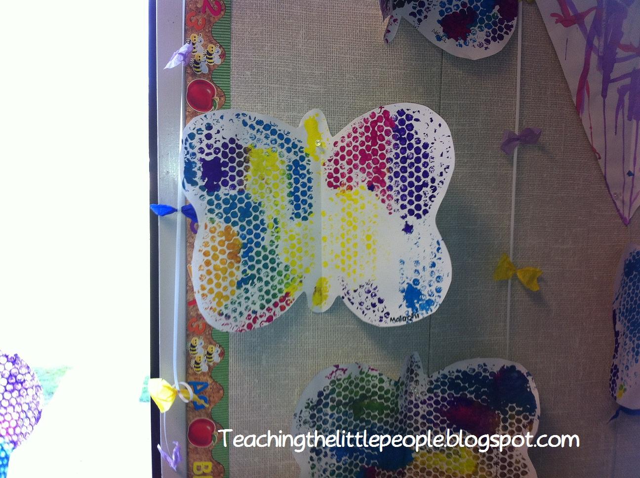 Teaching The Little People Bubble Wrap Butterflies In