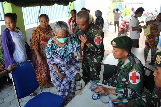 Satgas Bankes TNI Rawat Ratusan Pasien Korban Gempa dan Tsunami Palu